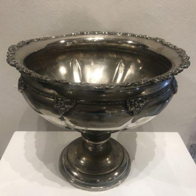 decor-large-silver-roman-urn