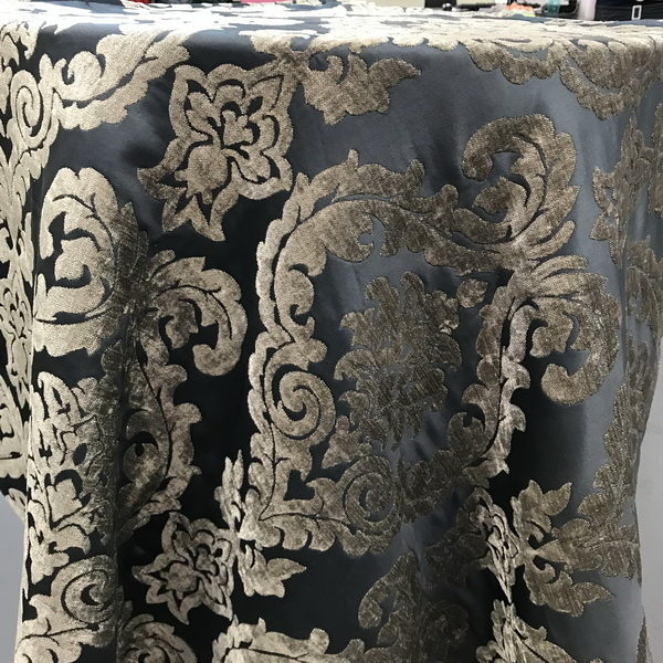tablecloth-damask-square-graphite-silver-fleur-velvet